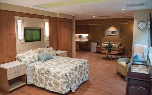 Atrium Premier Medical Center Maternity care room